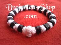 Brojanica pletena bela sa crnim perlama
