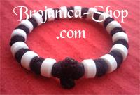 Brojanica pletena crna sa belim perlama