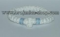 Brojanica pletena bela sa plavim perlama